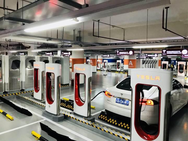 Tesla, dünyanın en büyük Supercharger istasyonunu Şanghay'da açtı