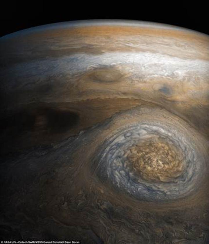 Juno'nun gönderdiği bu muhteşem Jüpiter fotoğrafına bir göz atın
