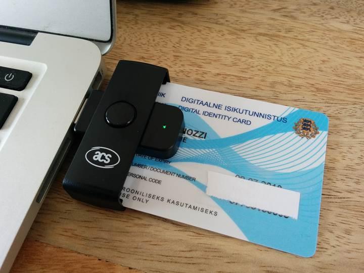 Estonya akıllı kimlik kartlarının kullanımını kısa bir süreliğine yasaklıyor
