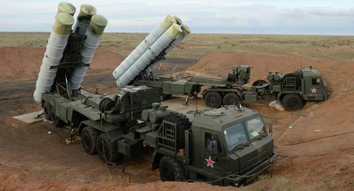 Mili Savunma Bakanı S-400'lerin ilk teslimatı için tarih verdi