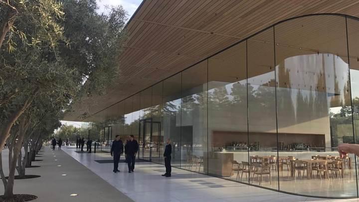 Apple'ın Güney Kore ofisine şok polis baskını