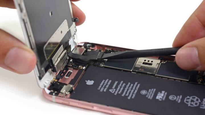 iPhone 6 Plus sahipleri pil değişimi için beklemek zorunda