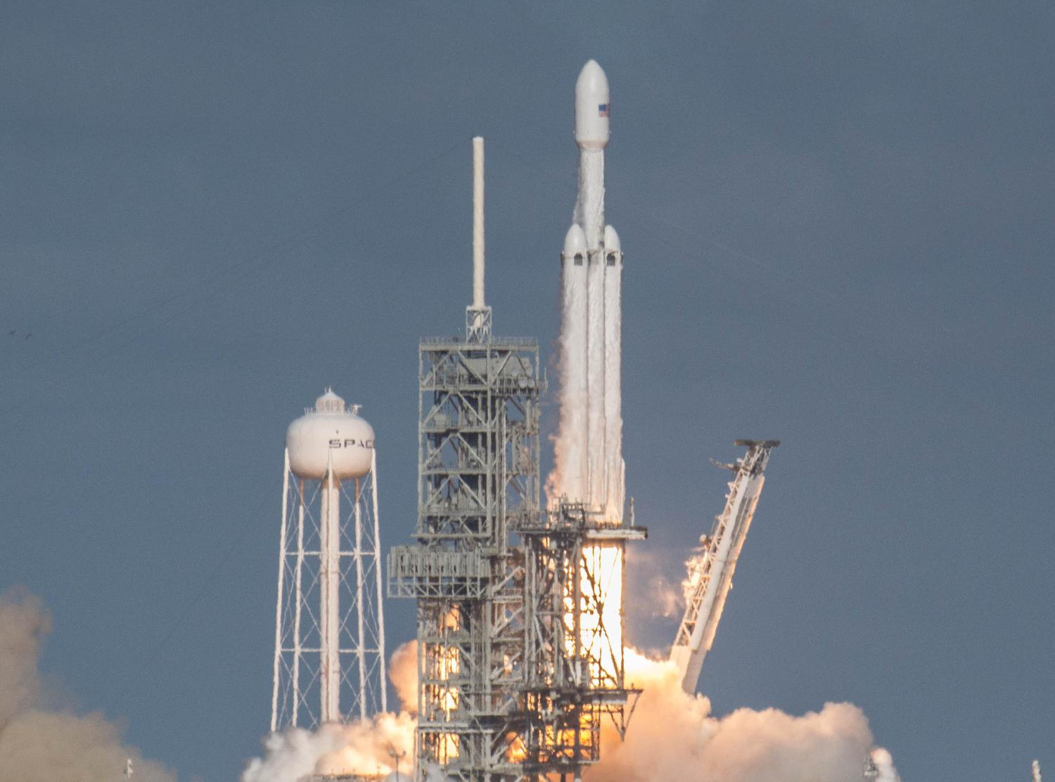 spacex falcon heavy launch today - HD2542×1886