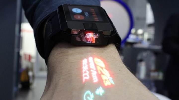 Haier'den projeksiyonlu akıllı saat