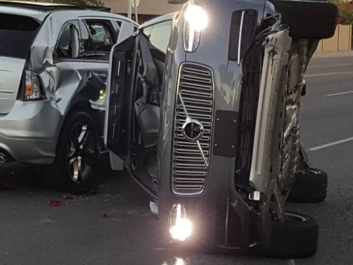 Sürücüsüz Uber aracı ABD'de ölümlü kazaya karıştı! Sürücüsüz araç çalışmaları durduruldu
