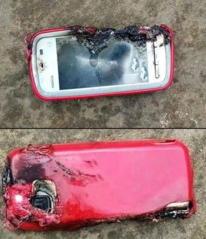 Konuşma esnasında patlayan Nokia 5233 genç bir kızın ölümüne neden oldu