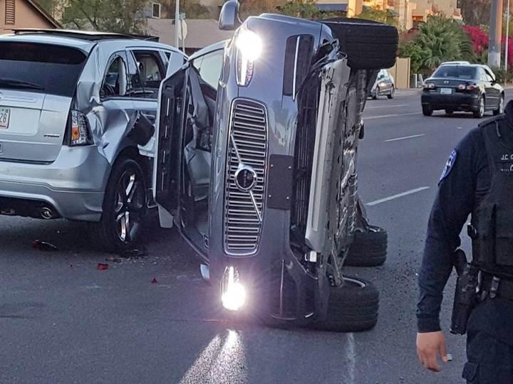 Uber'in otonom araç kazası güvenlik sorunlarını yeniden gündeme getirdi