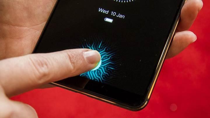 Samsung Display sonunda parmak izi sensörünü ekrana gömmeyi başardı