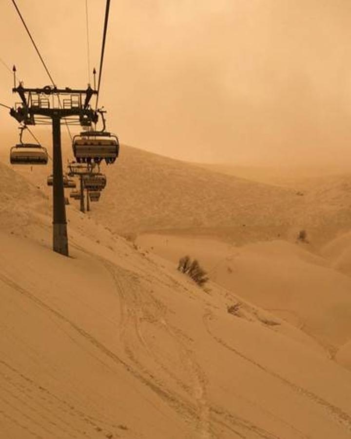 Rusya'da turuncu kar yağdı: Soçi kenti Mars'a dönüştü
