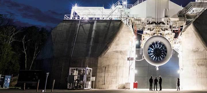 Dünyanın en büyük jet motoru ilk test uçuşunu tamamladı