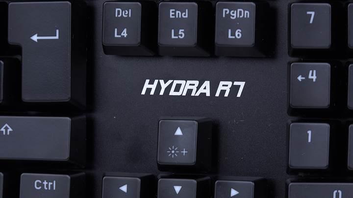 Optik mekanik anahtarlı Rampage Hydra R7'yi inceledik