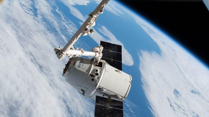 SpaceX'in Dragon uzay kapsülü Dünya'ya geri döndü