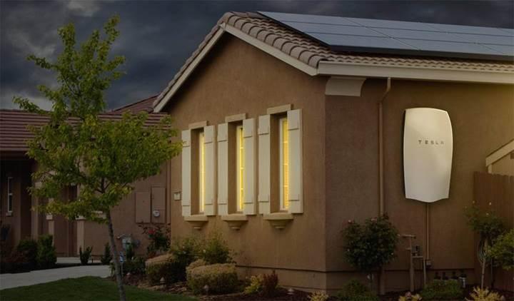 Tesla'nın ev tipi bataryası Powerwall olumsuz hava koşullarını tahmin edebilecek
