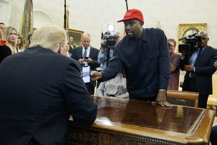Kanye West, Apple'ın Trump için bir iPlane üretmesini istiyor