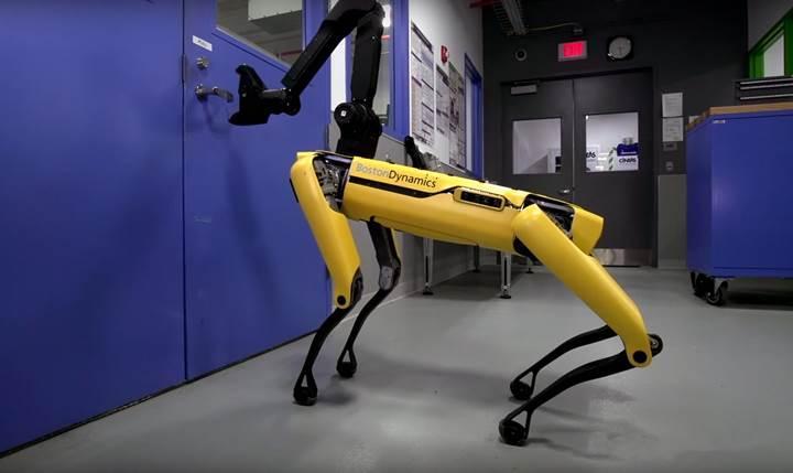 Boston Dynamics'in robot köpeği bu kez dans yeteneğini sergiledi