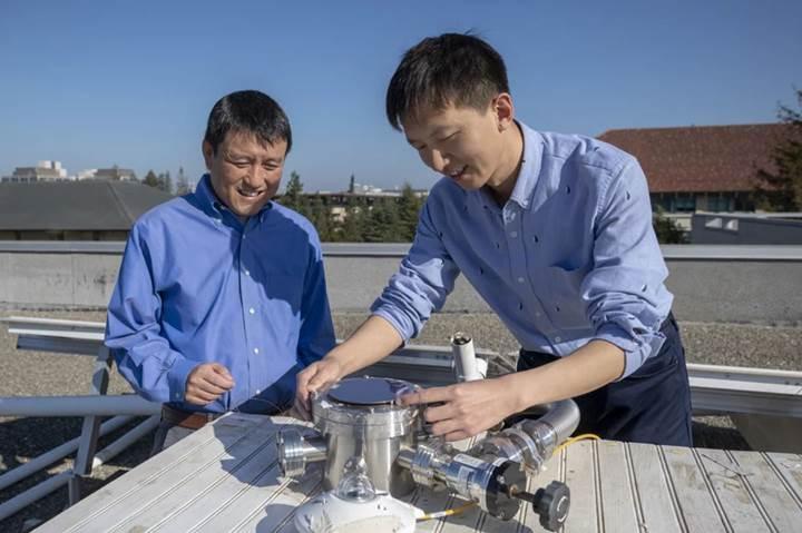 Hem güneş enerjisini depolayan hem de binaları havalandıran çatı sistemi