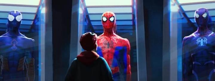 Yeni Örümcek-Adam filmi eleştirmenlerden tam not aldı