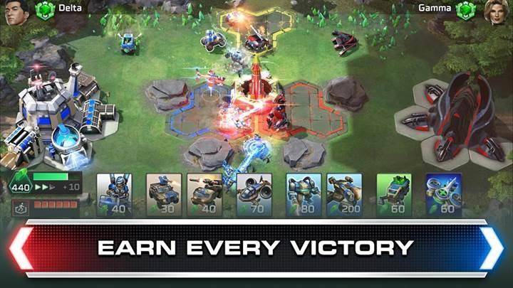 Türkçe seslendirmeli Command & Conquer: Rivals indirmeye sunuldu