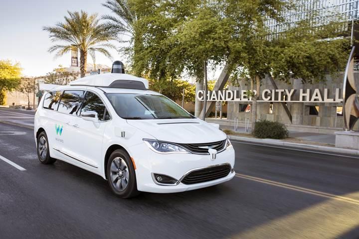 Google Waymo, otonom taksi hizmetini sunmaya başladı
