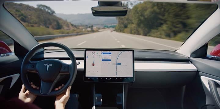 Tesla modelleri tam otonom sürüşe bir adım daha yaklaşıyor