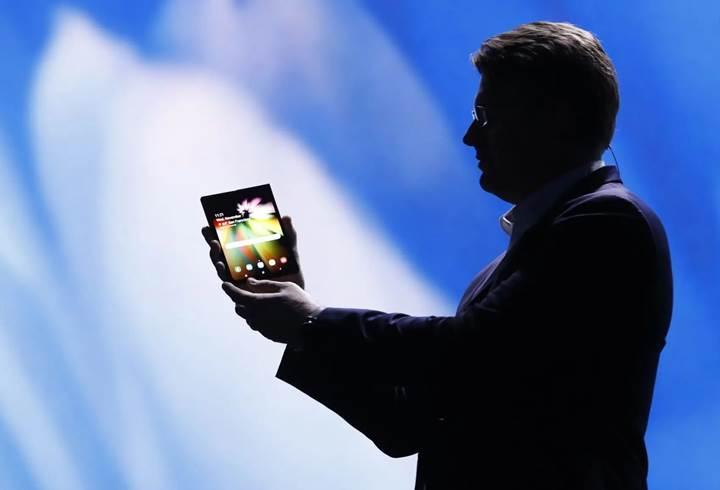 Samsung'un katlanabilir telefonu 6.000 mAh kapasiteli pille gelebilir