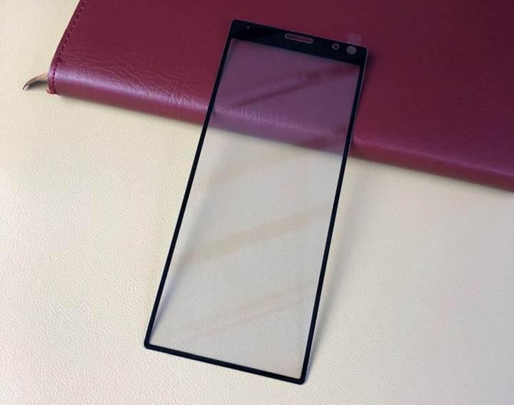 Sony Xperia XA3'ün ekran koruyucusu telefonun tasarımını açığa çıkardı