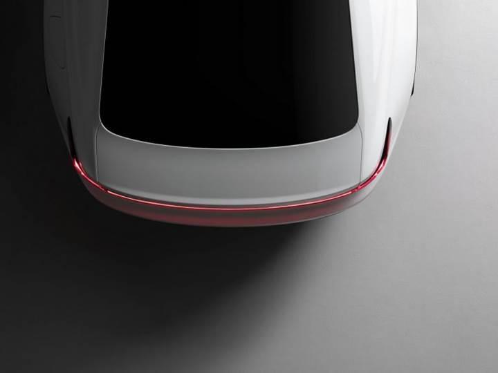 Volvo'nun tam elektrikli aracı Polestar 2'den ilk teaser geldi