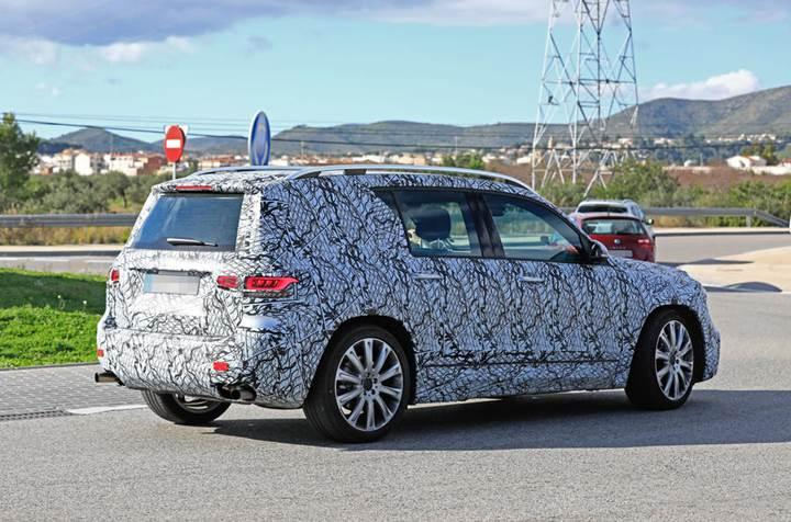 Mercedes'in yeni elektrikli kompakt SUV'u 500 km menzil sunacak