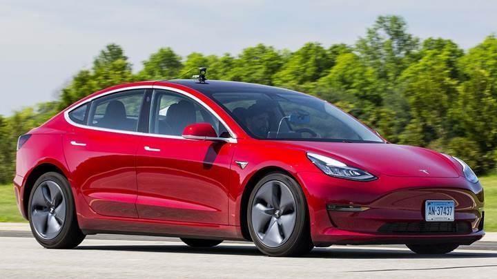 Beklenen izin geldi: Tesla Model 3 Avrupa yollarına çıkıyor
