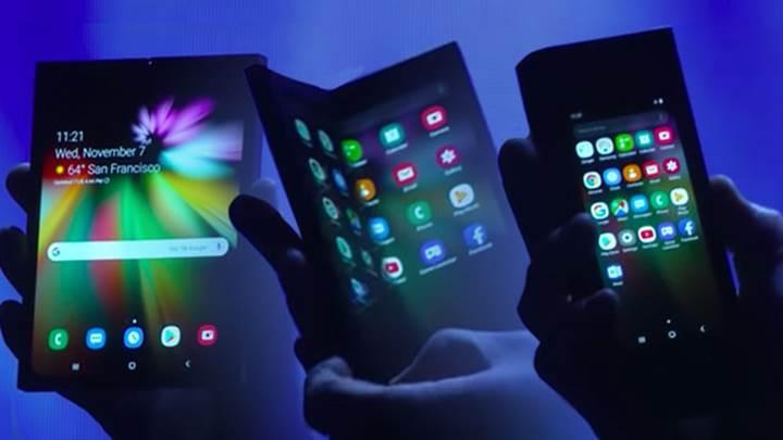 Katlanabilir Samsung telefonu yeni bir videoda gözüktü