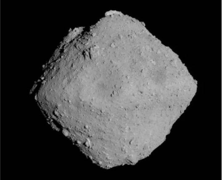 Japon uzay aracı Hayabusa, Ryugu asteroitine iniş yapmaya hazırlanıyor