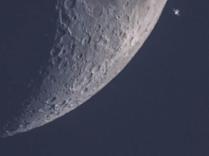 Uzay İstasyonu Ay'ın önünden geçiyor: İşte müthiş görüntüler