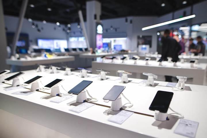 Çinli rakiplerinin baskısı altına giren Apple ve Samsung'un pazar payı azalıyor