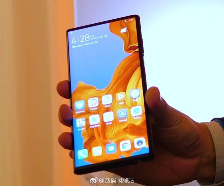 Huawei'nin katlanabilir telefonu Mate X, tanıtımına saatler kala sızdırıldı!