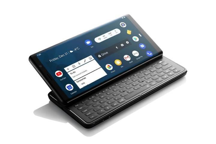 Klavyeli Android telefonu ön siparişe başladı