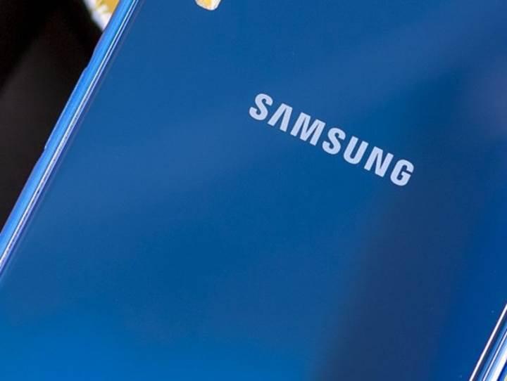 Samsung Galaxy A40, 5.7 inç ekranla FCC sertifikasını aldı