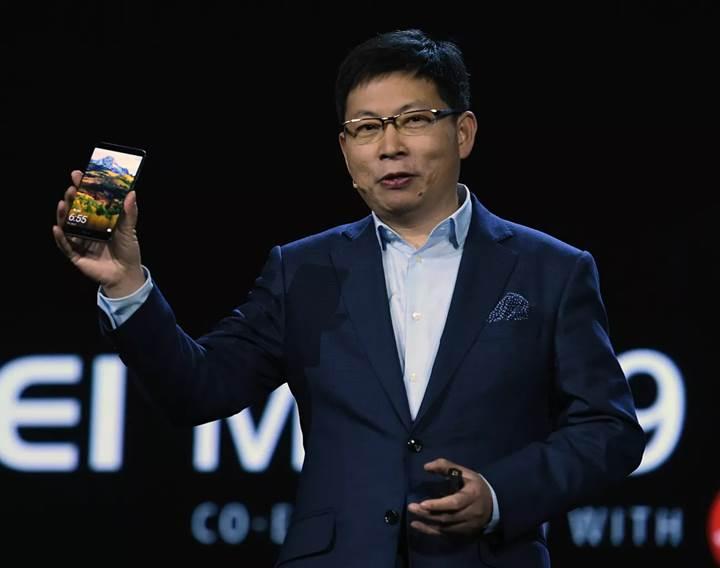 Huawei CEO'su: Bir iki yıl içerisinde 1000 Euro fiyatlı katlanabilir telefon gelecek