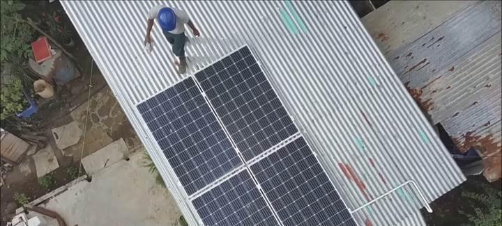 Ada ülkesi Morityus'da, dar gelirlilere güneş panelleri yardımıyla ucuz elektrik sağlanıyor
