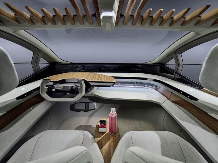 Geleceğin elektrikli şehir araçlarına bir yenisi eklendi: Audi AI:ME