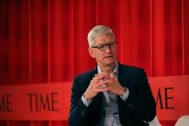 Apple CEO'su Tim Cook, teknoloji endüstrisinin düzenlenmesi için çağrıda bulundu