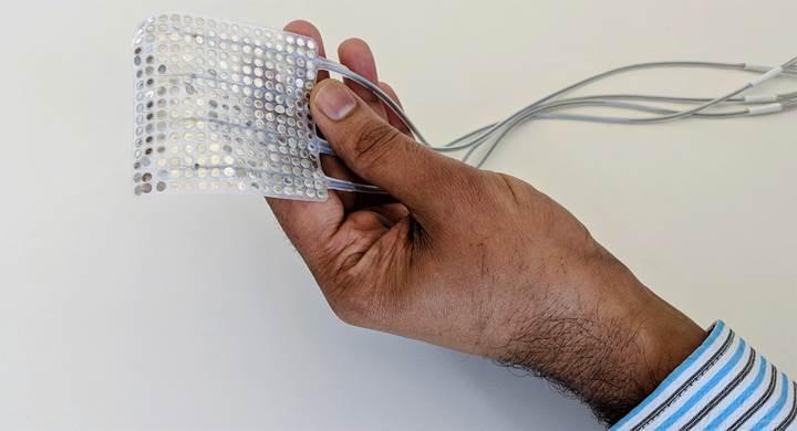 Beyin sinyallerini sese dönüştüren implant geliştirildi