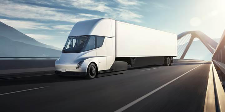 Tesla, elektrikli kamyonu Tesla Semi'nin üretimini 2020 yılına erteledi