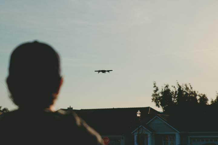 Drone sahipleri İngiltere'de yıllık ücret ödemeye başlayacak