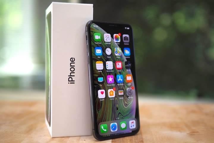 Tim Cook: iPhone fiyatlarını indirmemiz olumlu sonuç verdi