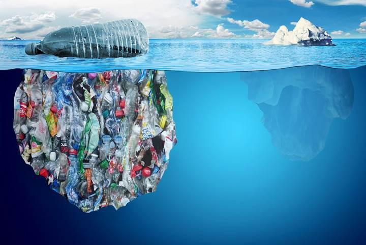 Okyanuslardaki plastik atıklar, oksijen üreten bakteriyi öldürüyor