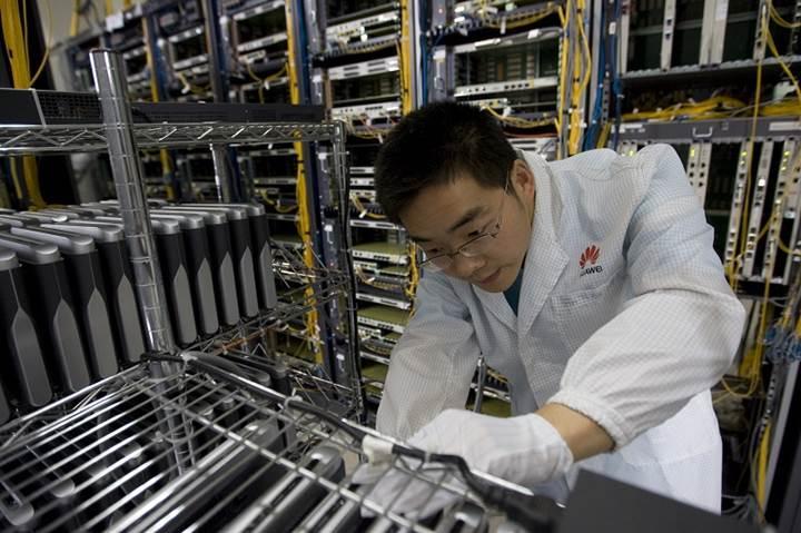 Intel ve Qualcomm da Huawei'ye yonga satışını durduruyor