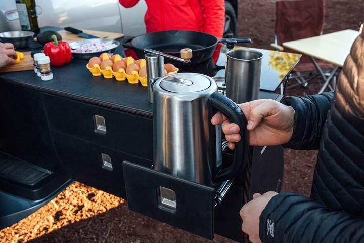 Kampçılara özel elektrikli pickup: Rivian R1T Camper