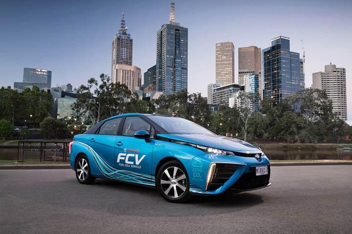 Toyota, hidrojenle çalışan otomobillerin fiyatını düşürecek
