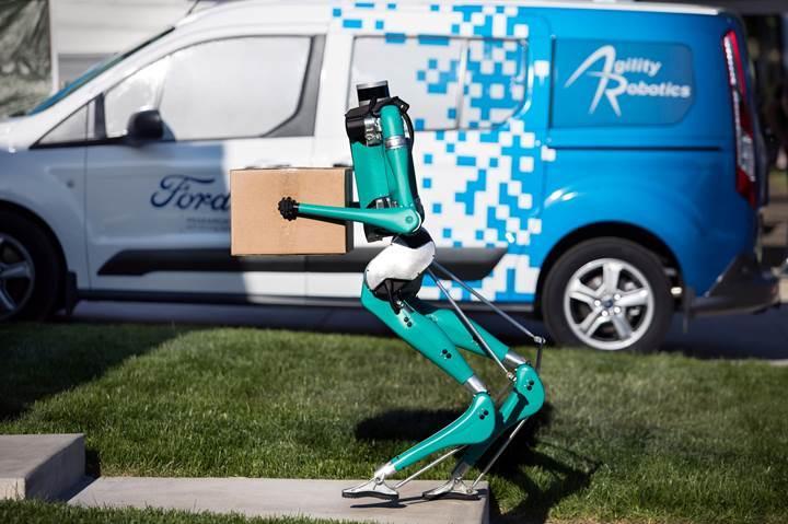 Ford'dan insansı otonom teslimat robotu: Digit