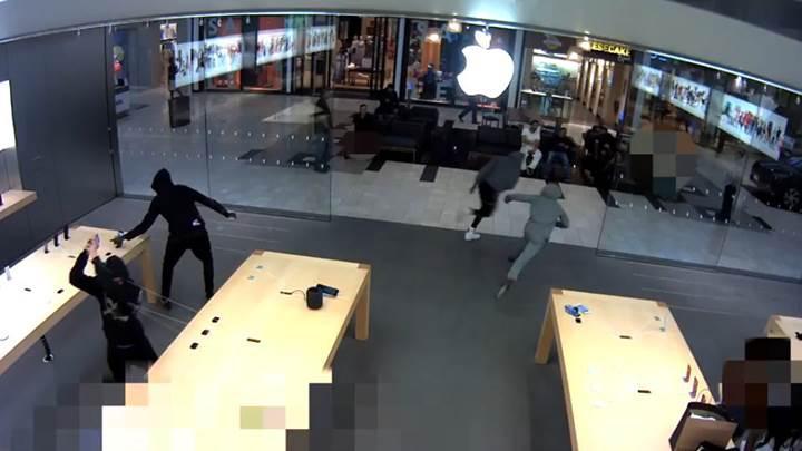 Apple, mağazalarındaki hırsızlıkları önleyecek yeni bir yöntem buldu